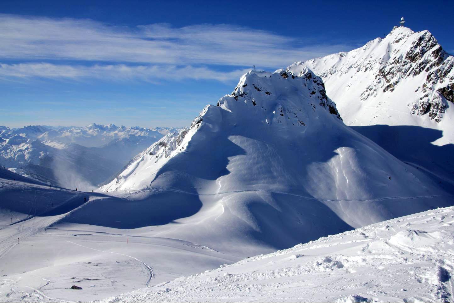 High Altitude Skiinig © JonoVernon-Powell