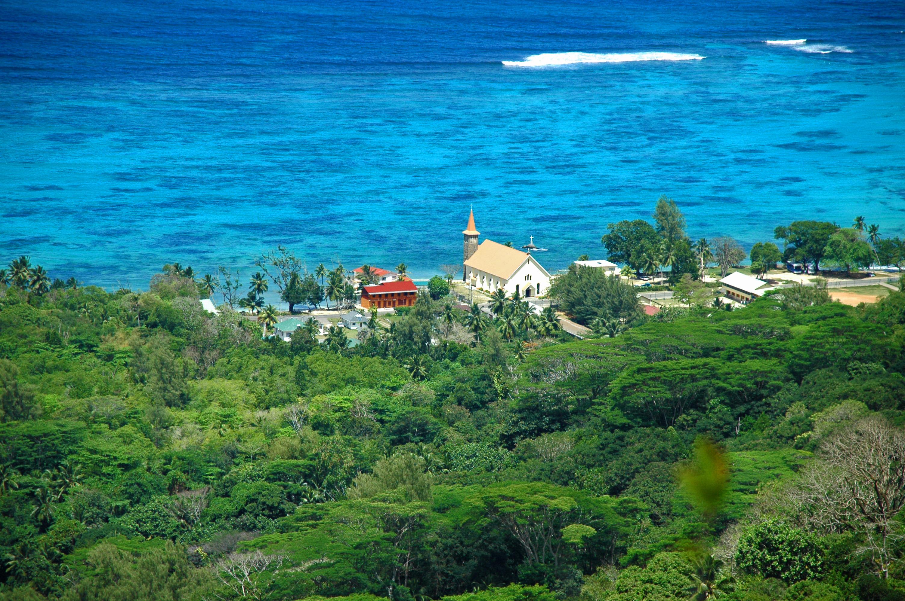 Living by the sea Seychelles © JonoVernon-powell