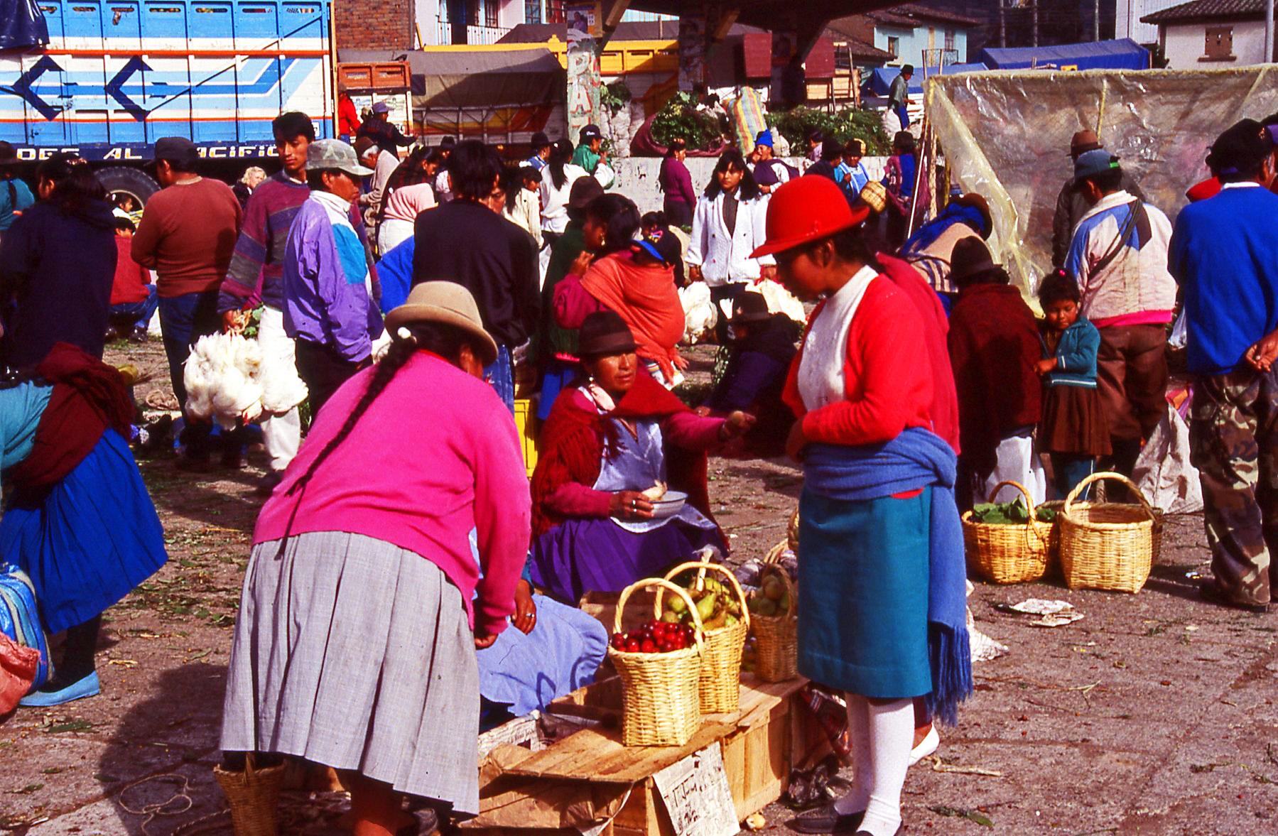 Market pricing Ecuador © JonoVernon-Powell