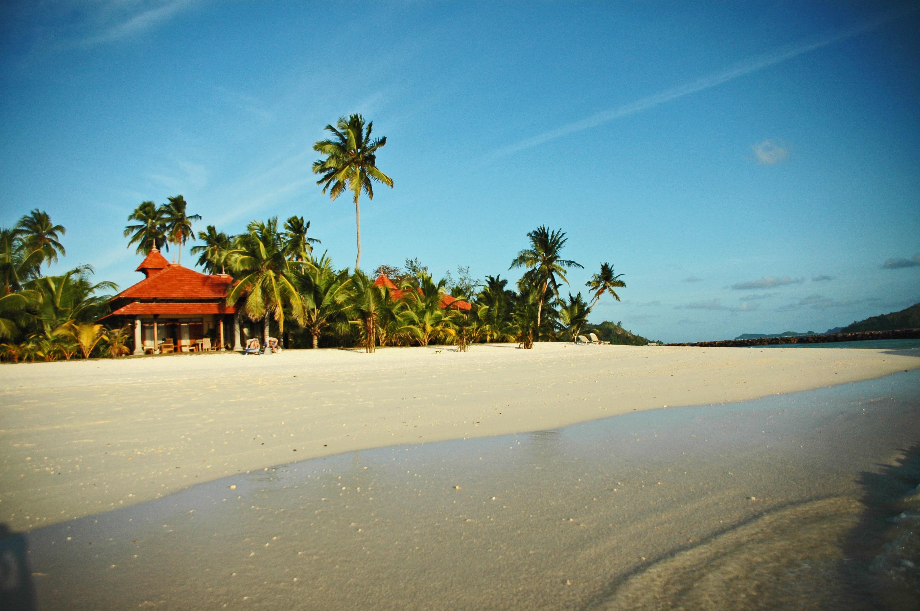 Seychelles Beach House © JonoVernon-Powell