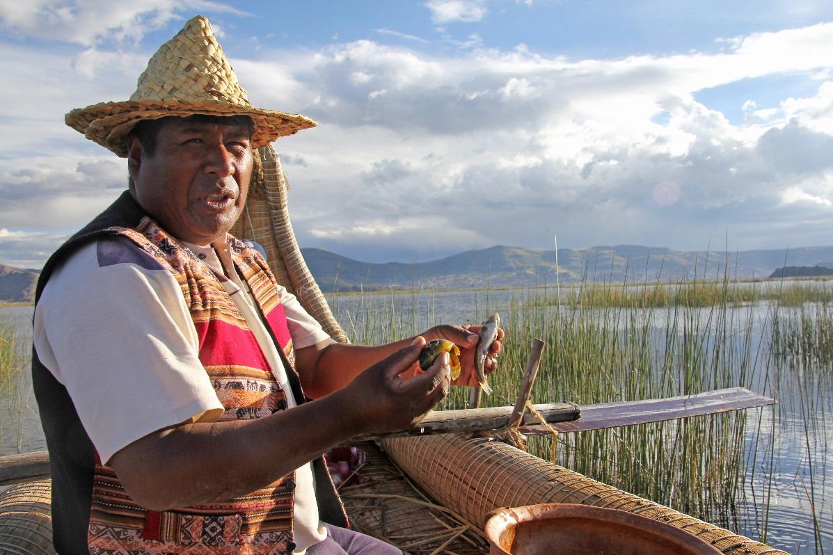Uros fisherman © Nomadic Thoughts.com