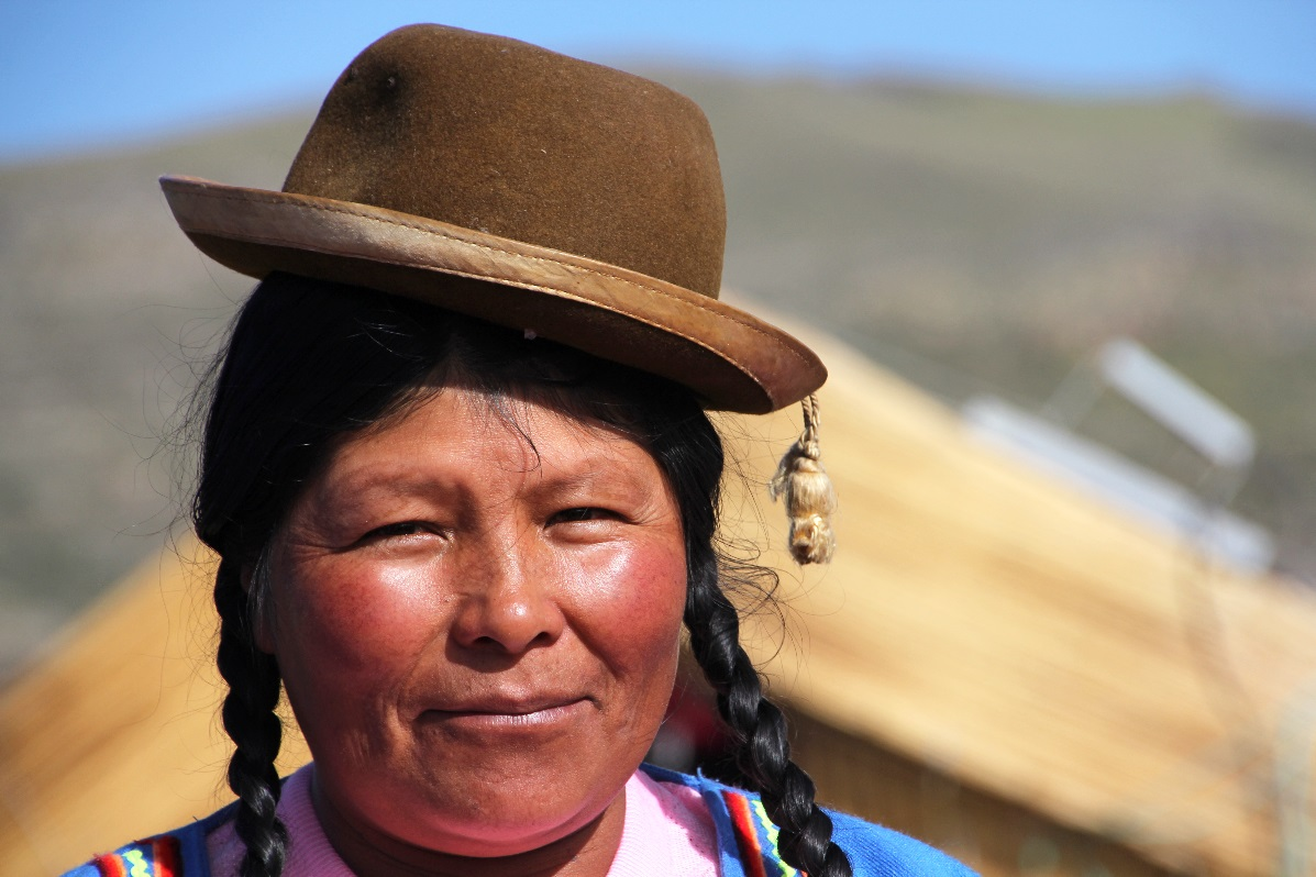 Uros lady with bowler hat © Nomadic Thoughts.com