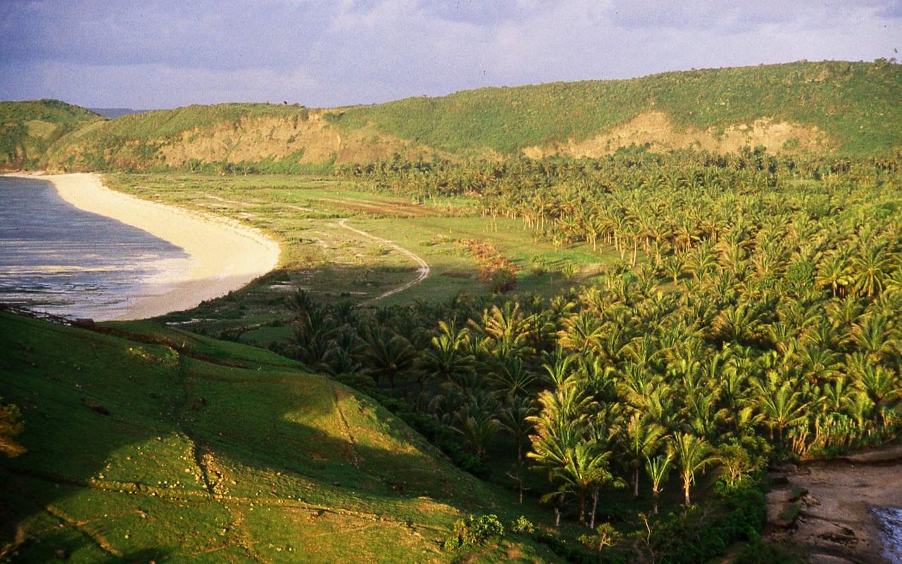 Lombok Bay © Nomadic Thoughts.com