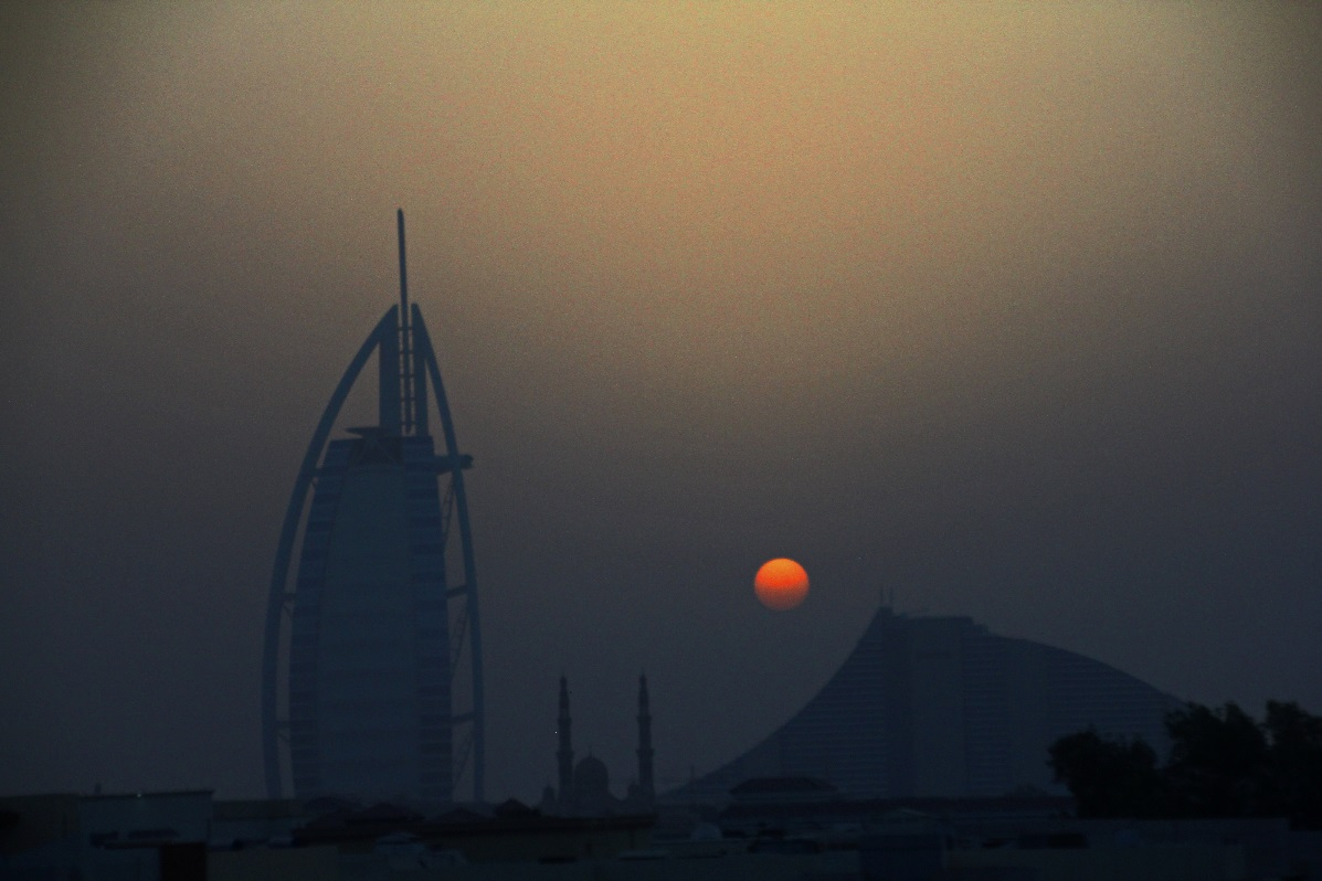 Sunset over Burj Al Arab, Umm Suqeim mosque & Jumeirah Beach Hotel