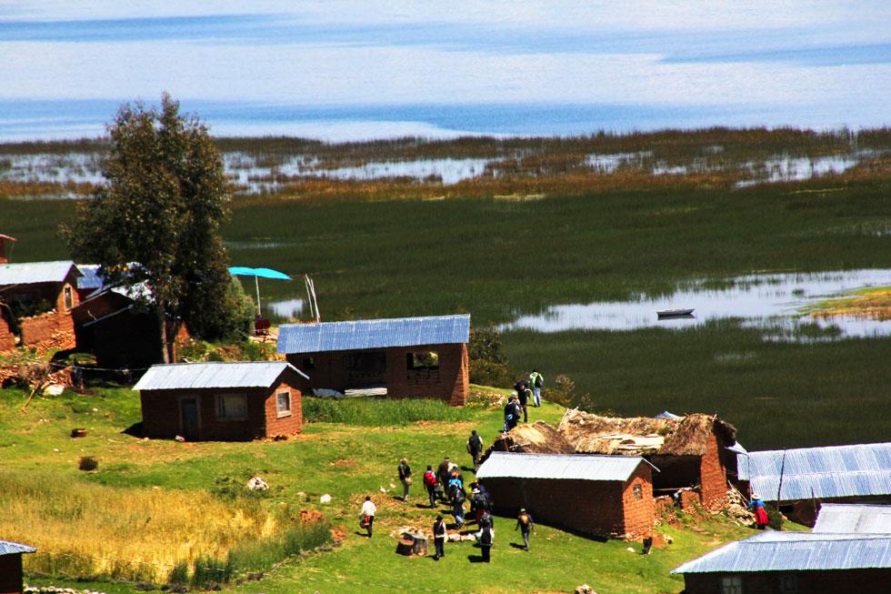 homestay-Lake-Titikaka-Peru-copyright-nomadic-thoughts-worldwide-travel