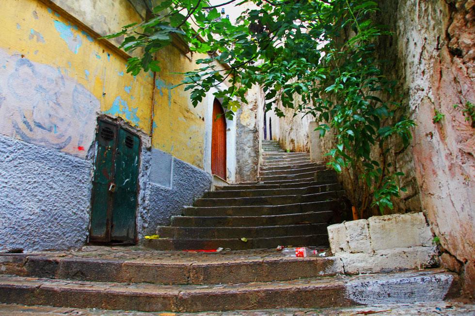 algiers-kasbah-stairase-cop