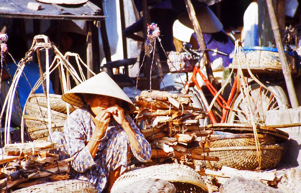Hoi-an-market-trader-copyri