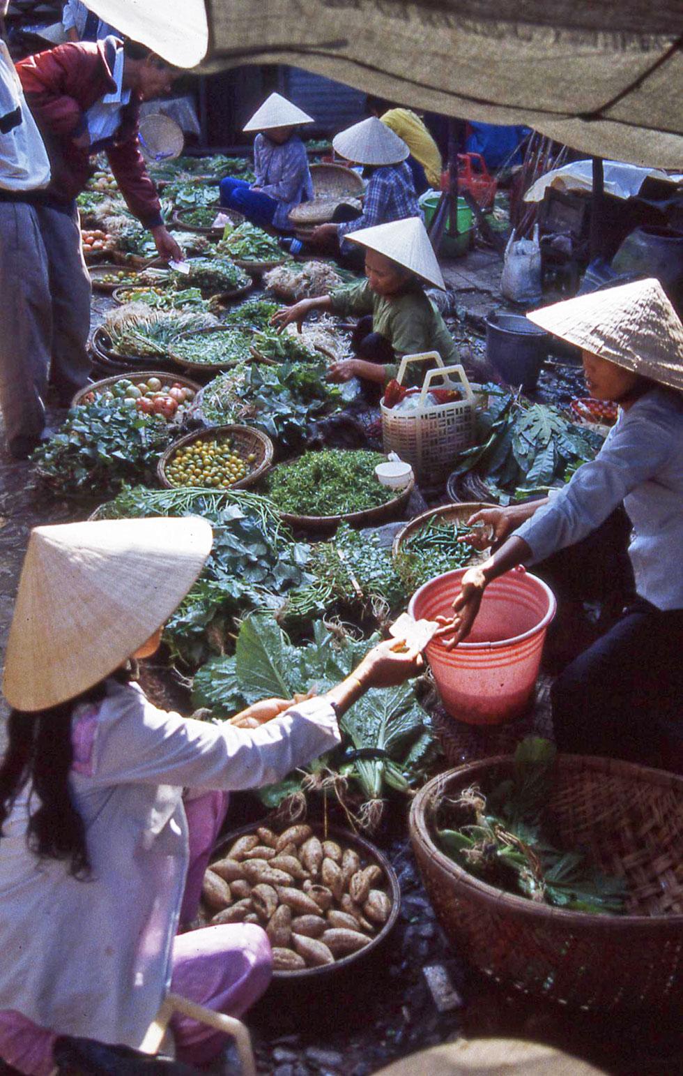 hoi-an-veg-market-copyright