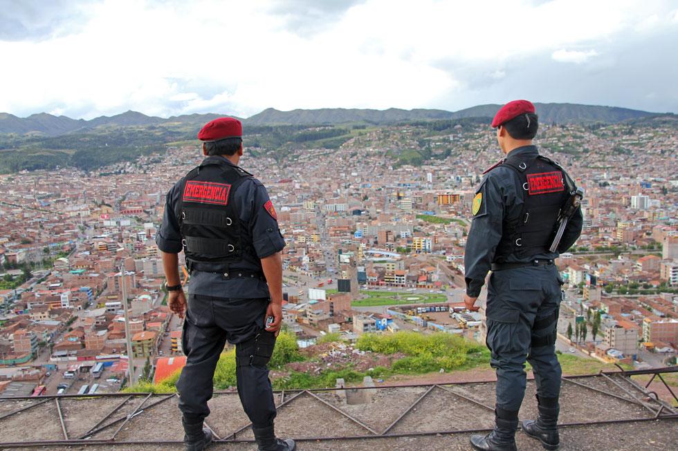 latino-police-copyright-noa