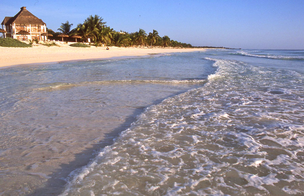 tulum-beach-copyright-jonov