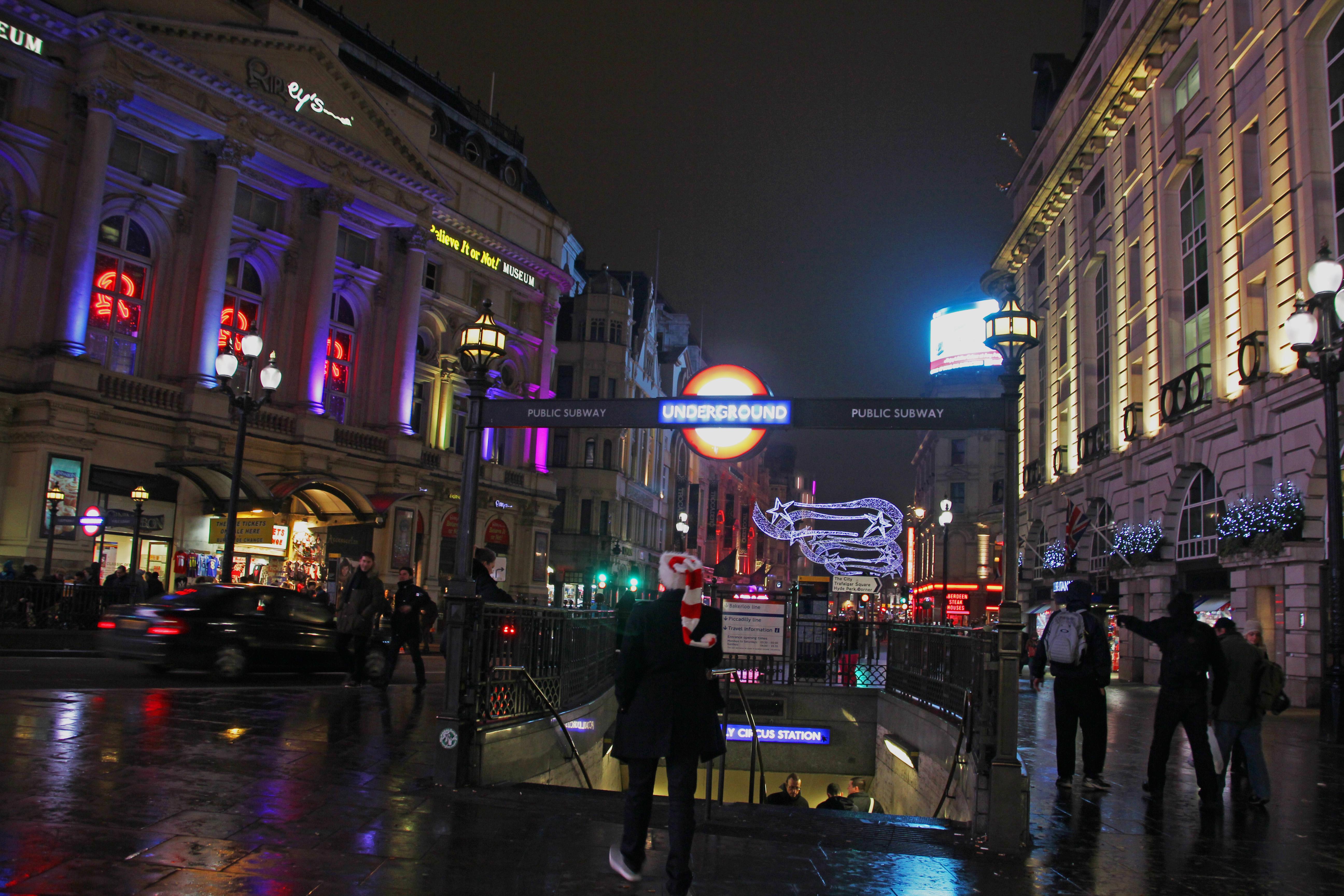 Piccadilly Circus © jonovernon-powell