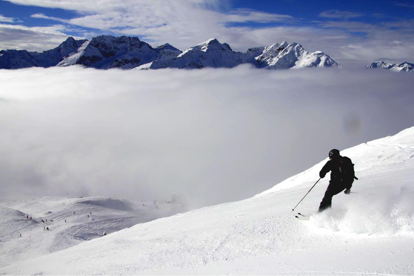 Cloud skiing St Anton © JonoVernon-Powell
