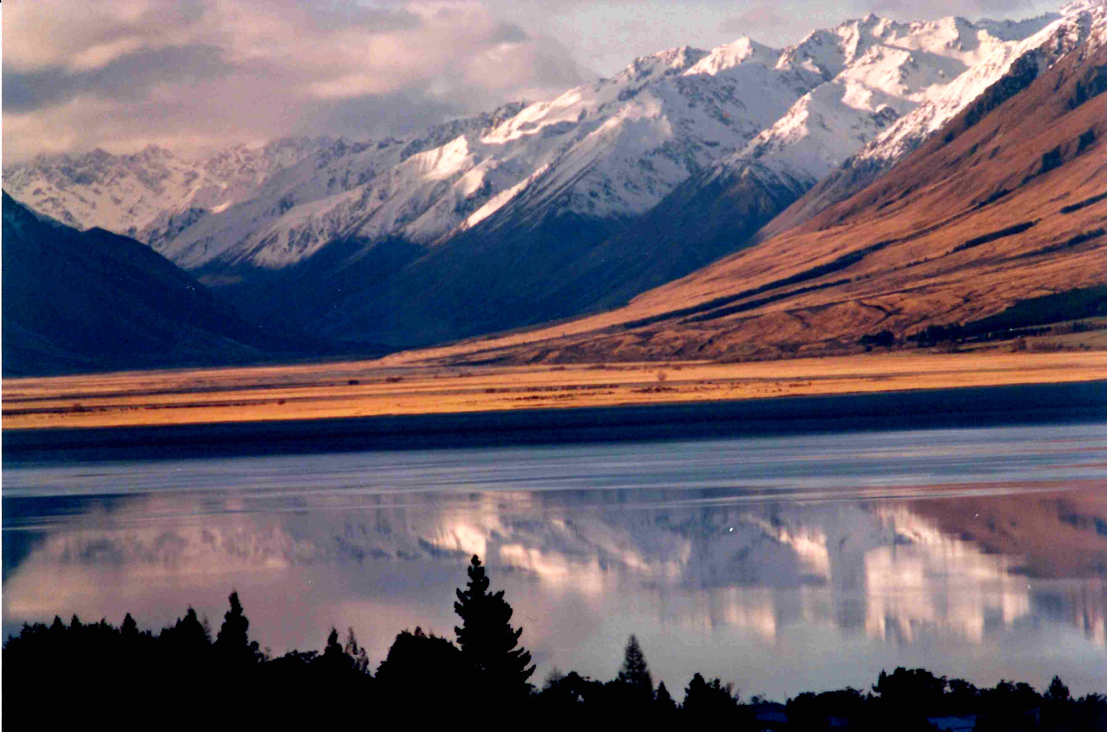 Hobbitland scenary © JonoVernon-Powell.com