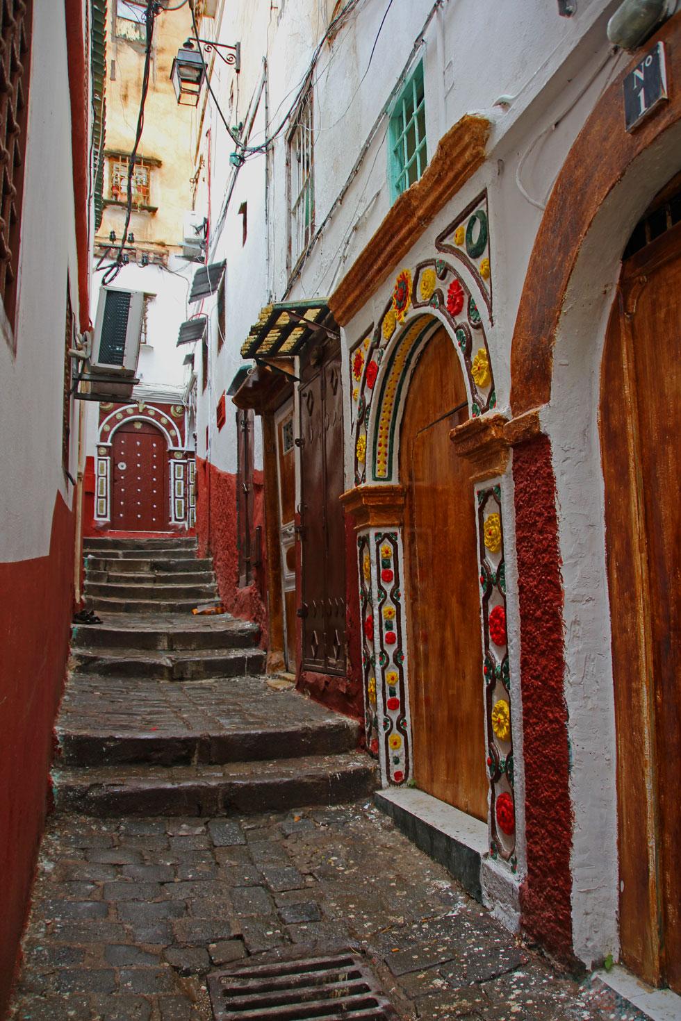 Algiers-kasbah-street-doorw