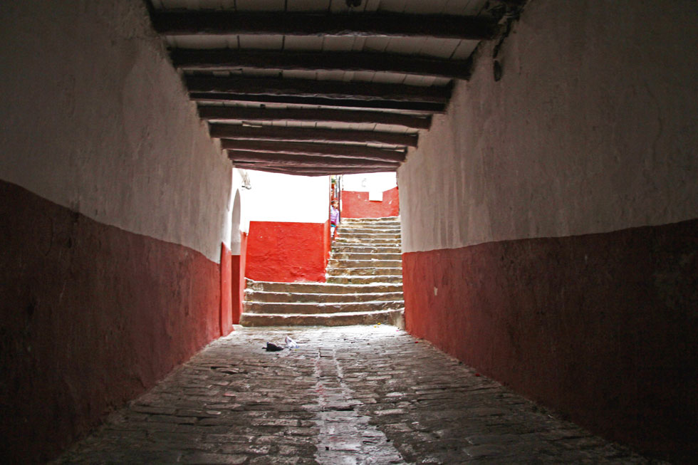 Algiers-kasbah-tunnel-copyr