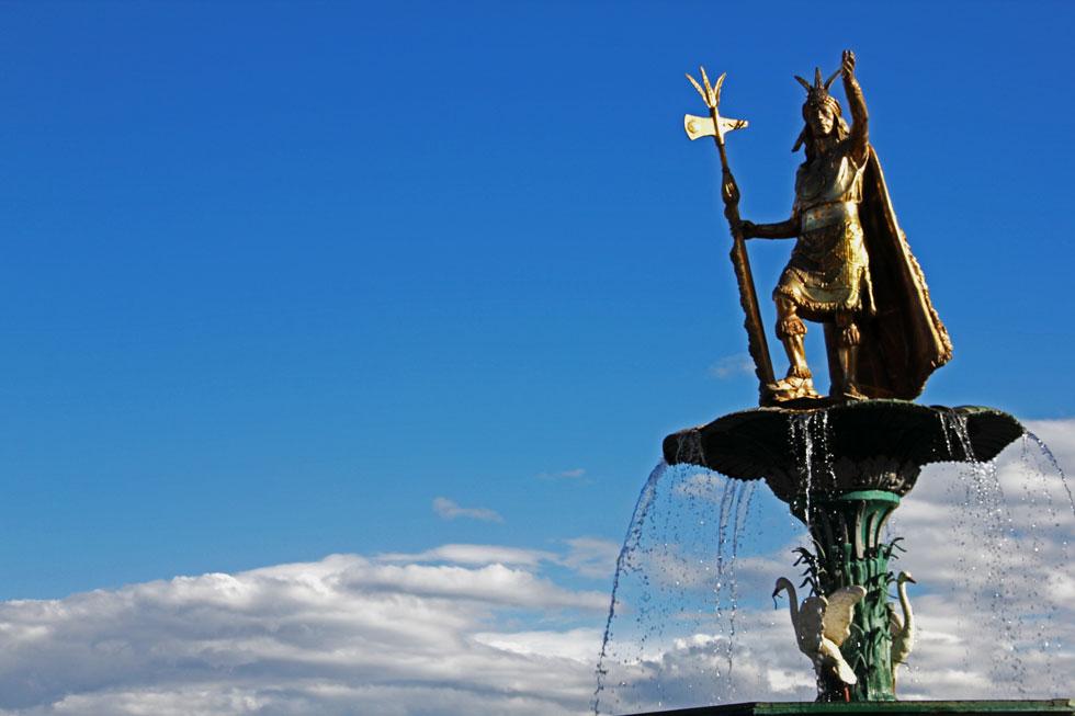 pachacutec-statue-cusco-cop